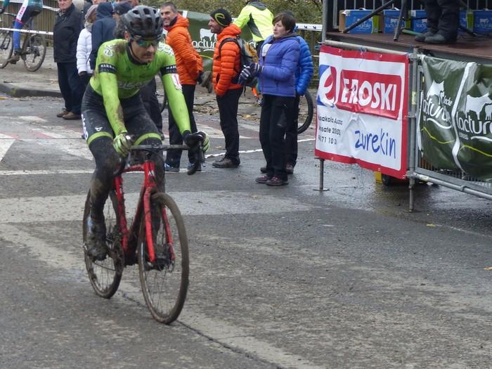 Ruiz de Larrinaga eta Lekuona garaile Arrasateko ziklo-krosean - 88