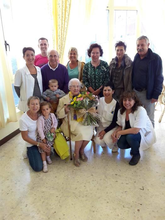 Margarita Kerejetaren 101. urtebetetzea ospatuz