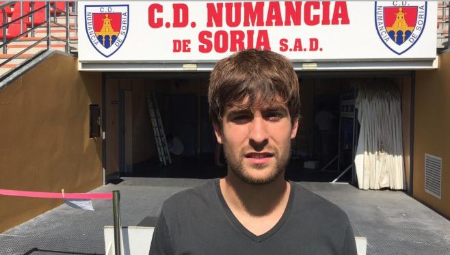 Lehenengo mailako taldeak dabiltza Aitor Fernandezen atzetik, tartean Reala