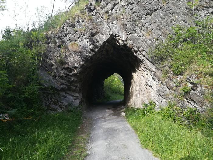 Arane auzoan bidegorriko tunela egonkortzeko lanak egingo dituzte