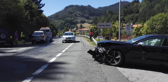 Eibarko jokalari batek auto istripua izan du Atxabalpen