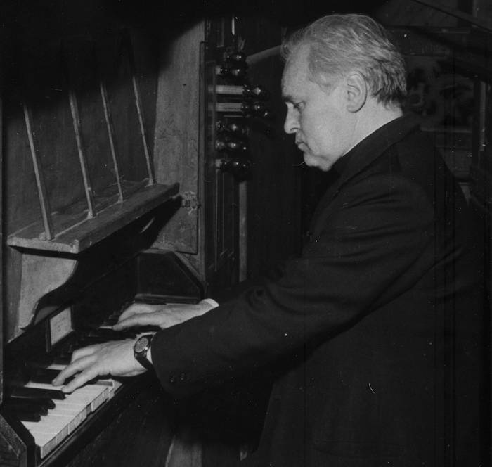 Julian Sagasta organistaren omenezko liburua eta diskoa aurkeztuko dituzte gaur Arrasaten