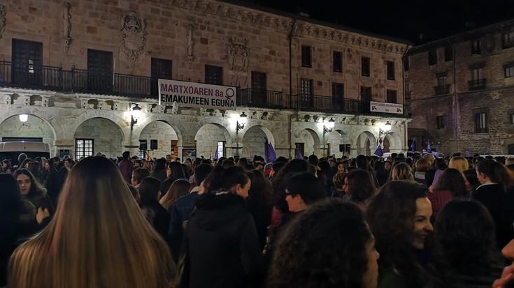 Iluntzeko manifestazioa, argazkitan