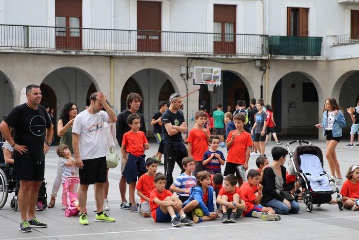 Uztaipeko ikuskizuna Aretxabaletako Herriko Plazan - 11