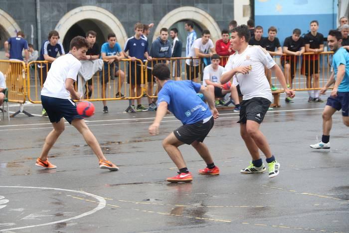 Frenaenbatxek irabazi du Bergarako semicup txapelketa San Lokalen aurkako finala 2-1 irabazita