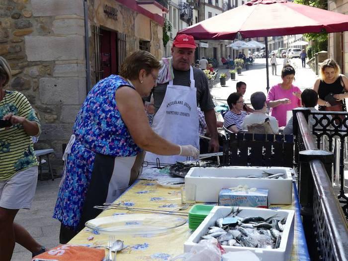 Sardina-jana Anelkarren eskutik