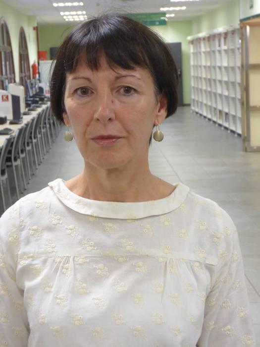 """Mertxe Perez de Ciriza: """"Oraindik bibliotekara hurbildu ez dena, hurbil dadila"""""""