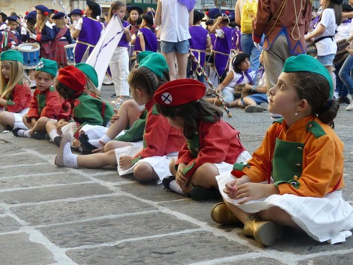 Txikitxoenek San Juan festetan murgildu dute herria - 41