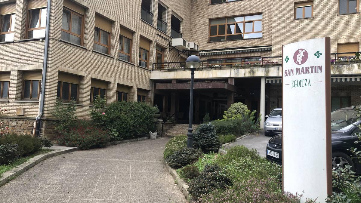 Gipuzkoako 59 egoitzatan jaso dute COVID-19aren aurkako txertoaren lehen dosia