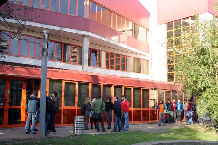 3.000 profesionalek hartu dute parte Goi Eskola Politeknikoak profesionalentzako antolatutako ikastaroetan