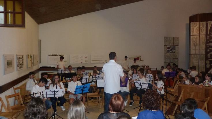 Aretxabaletako musika eskolako bandaren kontzertua