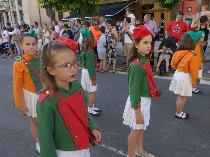 Txikitxoenek San Juan festetan murgildu dute herria - 11