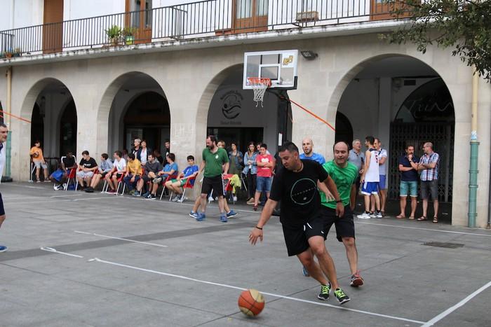 Uztaipeko ikuskizuna Aretxabaletako Herriko Plazan - 5