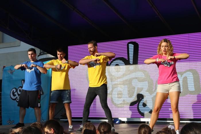 'Go!azen' dantzatu eta abestera - 34