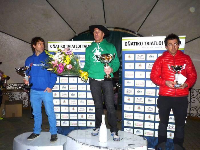 Guillaume Ducasse eta Maider Gaztañaga, txapeldun Oñatiko duatloian