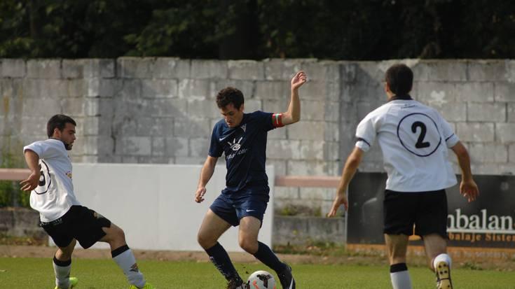 Futbola: Bergarak 1-3 galdu du Zarautzen kontrako ligako lehen partidua