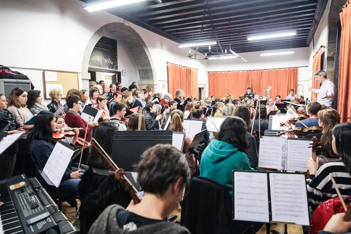 Sinfonia Kooperatiboaren ikuskizuna, estreinatzear