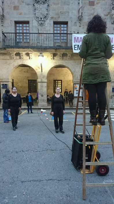 Bergaran emakumeen eskubideen aldeko kalejira performancea egin zuten - 2