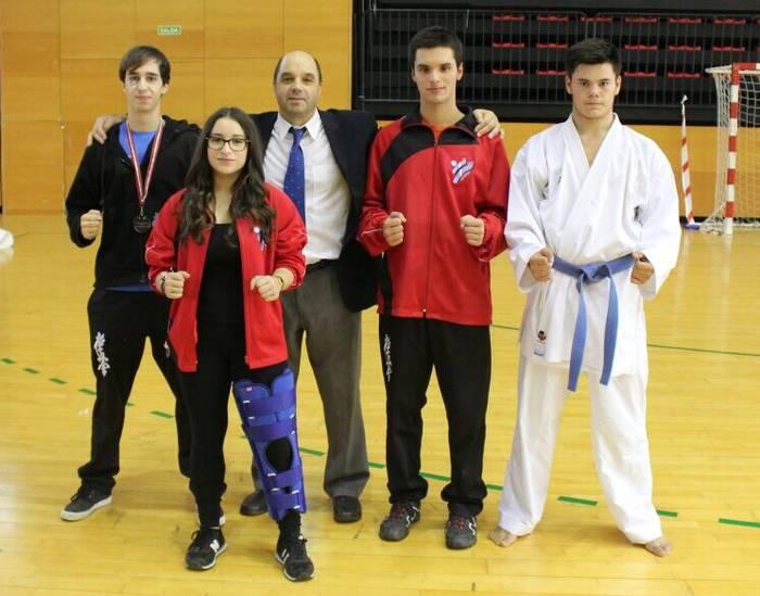 Vazquez eta Calvo bigarren Euskadiko karate txapelketan eta Benitez hirugarren