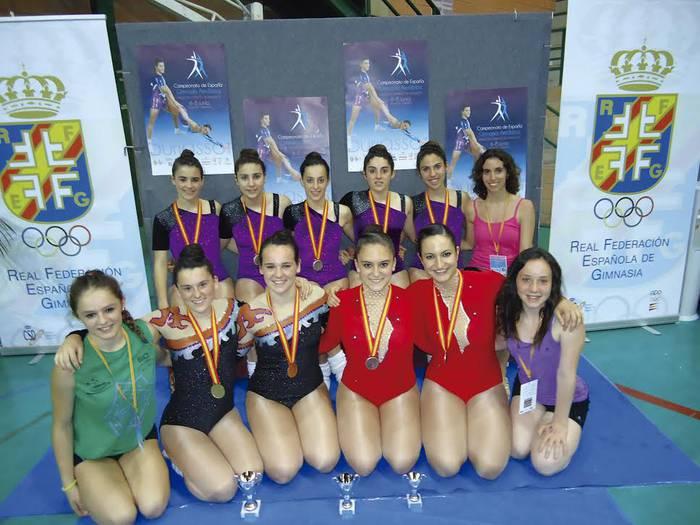 Domina asko lortu dituzte arrasatearrek Espainiako Gimnasia Aerobikako txapelketan