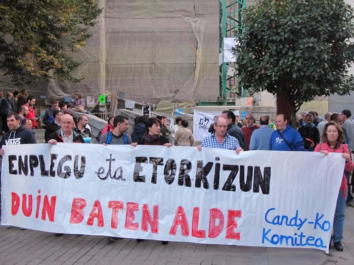 """""""Etorkizun duina"""" eskatu dute Candy-Hooverreko langileek protestan"""