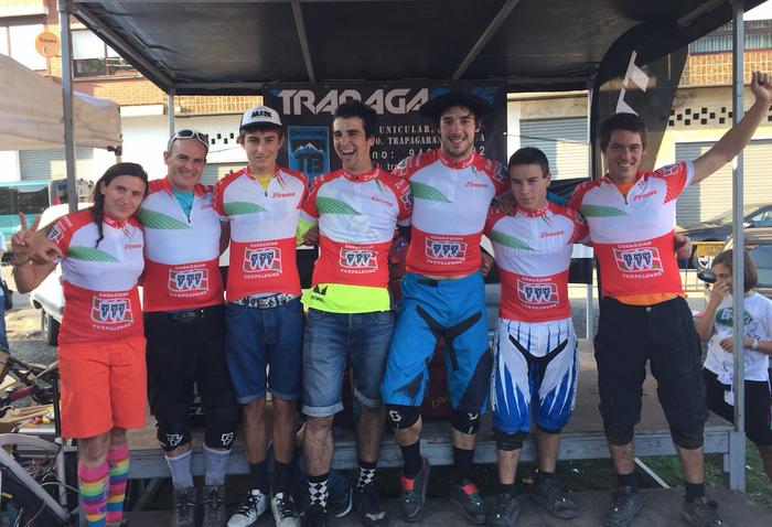 Txomin de Vega elgetarra eta Unai Larrea antzuolarra txapeldun Euskadiko BTT jaitsieran