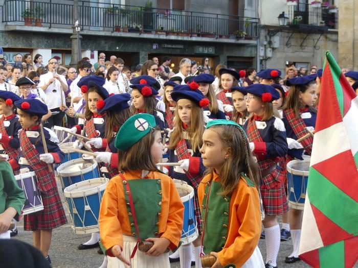 Txikitxoenek San Juan festetan murgildu dute herria - 27