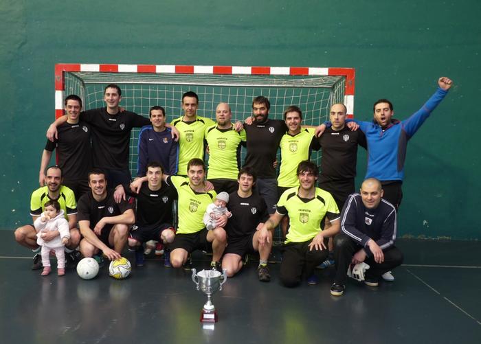 Jaitxo taldeak irabazi du Elgetako areto futbol txapelketa