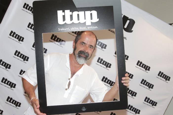 'Ttap' aldizkaria ezagutzeko jende asko elkartu da Donostian - 23