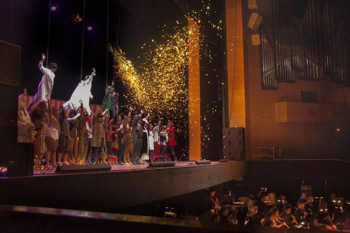 'Peter Pan' musikalaren dekoratuak, maitasunez gorde dituzte