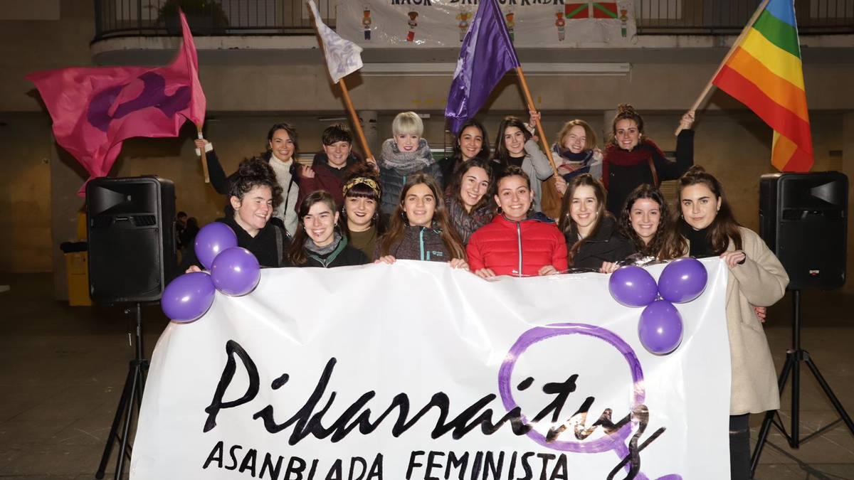Pikarraituz asanblada feminista aurkeztu dute Aretxabaletan