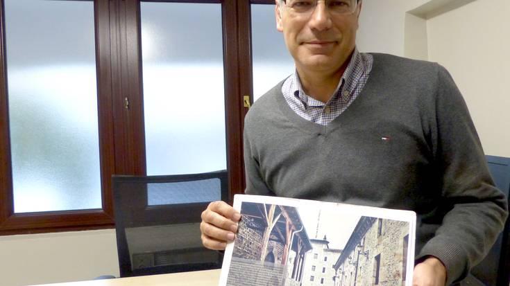 """Manu Diaz: """"Bergararrei interesa piztu ahalko dien liburua da"""""""