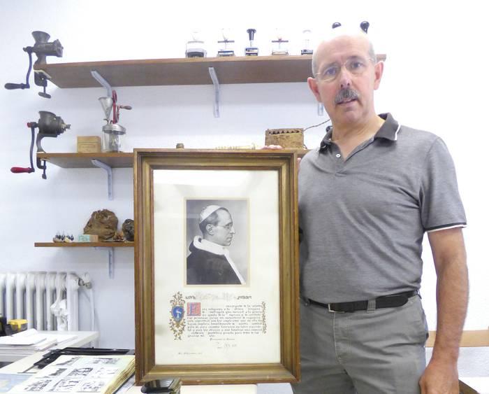 Pio XII.ak, Zerrajerakoak bedeinkatu