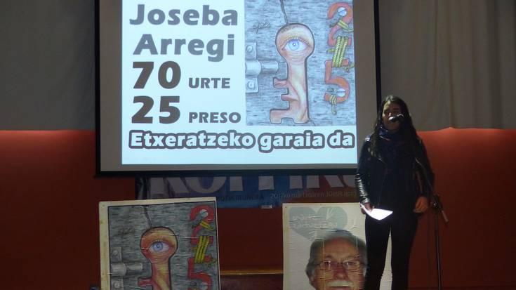 """Joseba Arregi """"etxeratzeko garaia"""" dela aldarrikatu dute"""