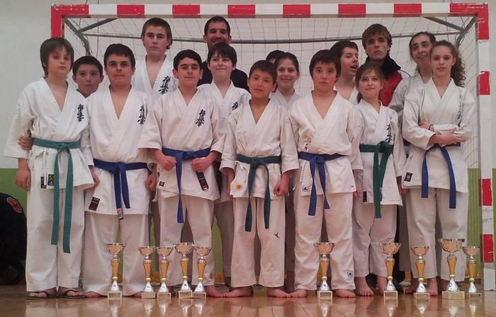 Saioako karatekek 10 kopa ekarri zituzten Lezotik