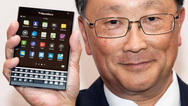 Teklatudun pantaila handiko mugikor batekin berpiztu gura du Blackberry-k
