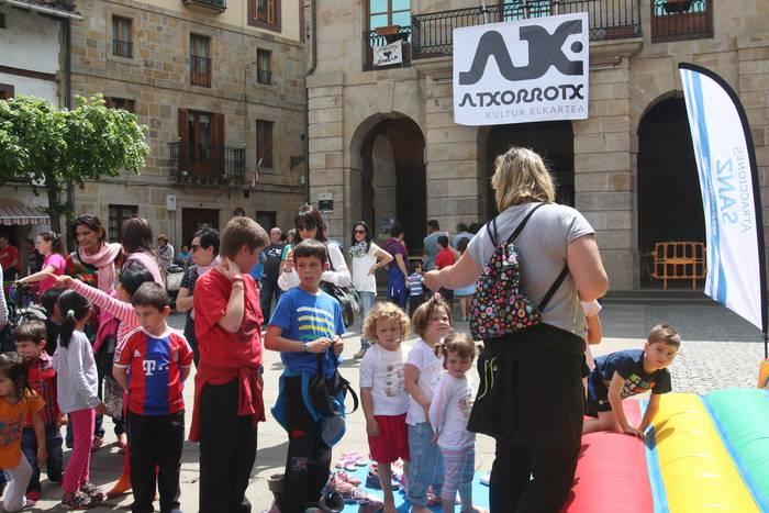 Musikarekin ospatu dute Atxorrotx Kultura Elkartearen Eguna