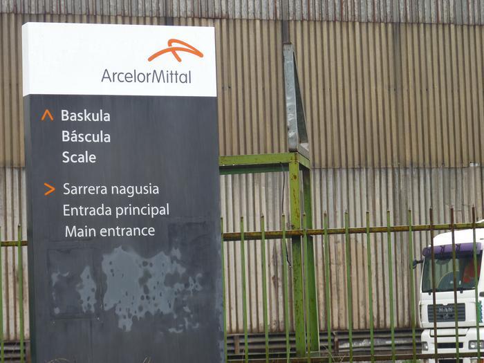 Arcelor Mittal-eko langile batzordearen bilerak Bergarako udalbatzarekin