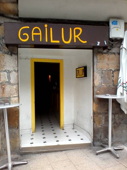 873528 Gailur argazkia (photo)