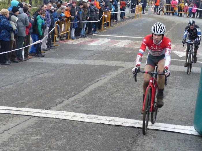 Ruiz de Larrinaga eta Lekuona garaile Arrasateko ziklo-krosean - 81