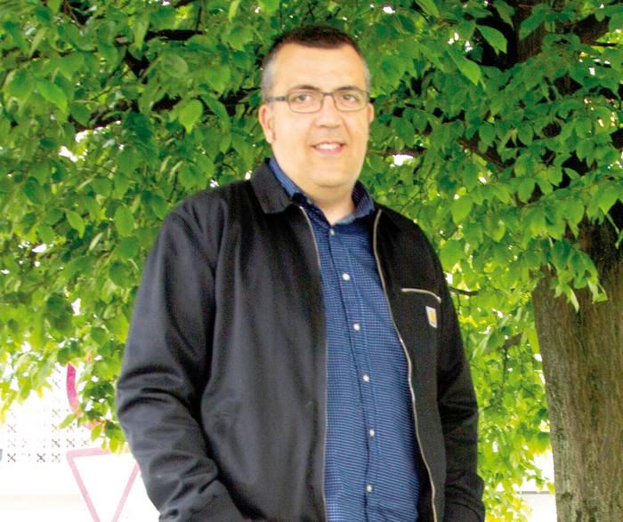"""Rober Gutierrez: """"Krisian ere lan-iragarkiak euskaraz egiten direla ikusteak pozten gaitu"""""""