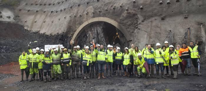 GI-632 errepide berriko Deskargako tunelaren bi aldeak elkartu dituzte