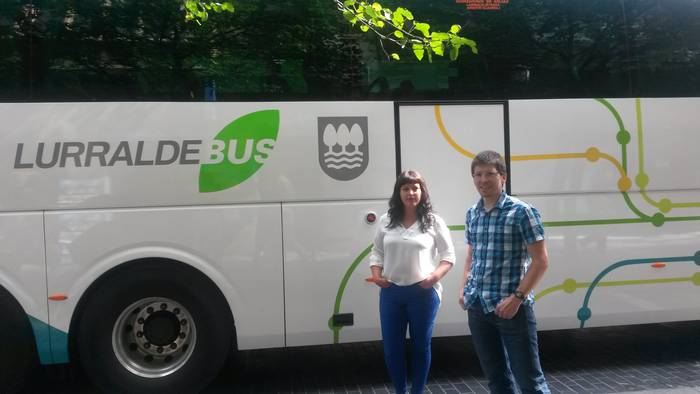 Autobus zerbitzuak hobetzeko eskualdeko bilera egingo du bihar Aldundiak Arrasaten