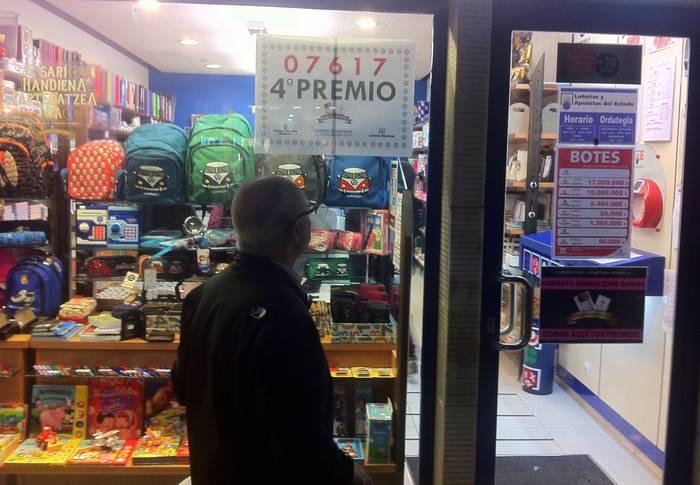 Gabonetako Loteriak 20.000 euro utzi ditu Bergaran