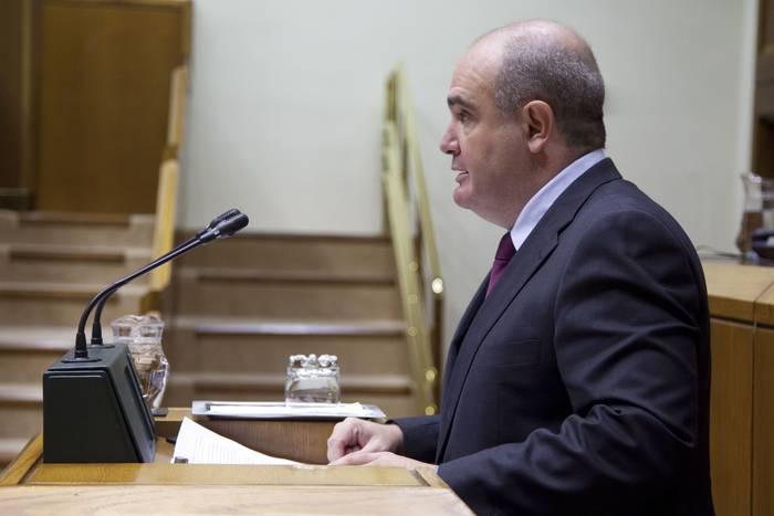 """Aitor Urrutia: """"Aktibo nagusitzat langileak dituen enpresa eredu berri baterako oinarriak jartzen ari gara Euskadin"""""""
