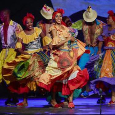 Nazioarteko Folklore Jaialdia Kubako Camagua taldea