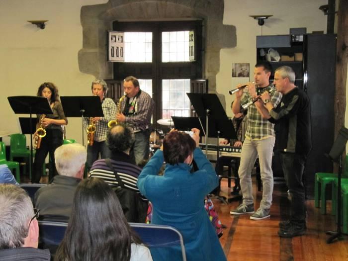 Saxofoi eta gaita kontzertua Arrasate Musikalen eskutik