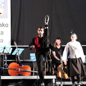 Musika eta Dantza eskolakoen emanaldia