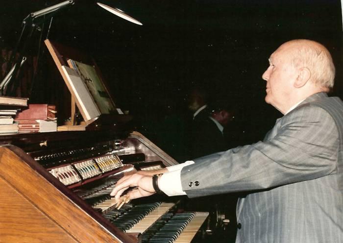 Agur Arrasateko organistari