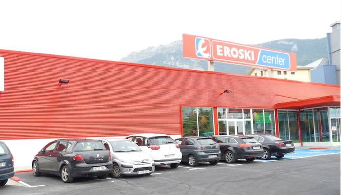 Zorra birfinantzatzeko hitzarmena egin du Eroskik bankuekin